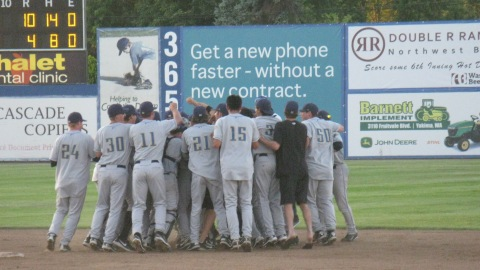 Dust Devils celebrate winning the 2011 Northwest League East Division first-half title